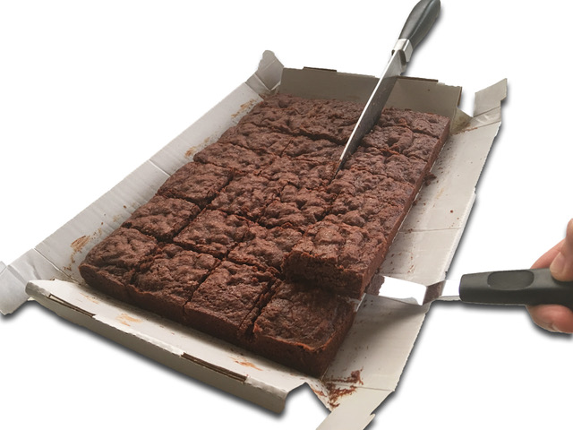 Chocolate Brownie Bake in a Box Slicing